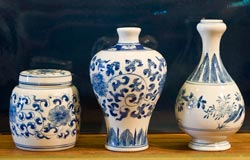 Decorative porcelein by Middle Kingdom